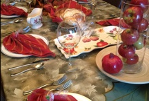 Holiday Table Settings / See beautiful Jewish holiday table settings for Rosh Hashanah, Yom Kippur, Sukkot, Hanukkah (Chanukkah), Purim, Passover and more...