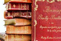 洋書のディスプレイ / 古い洋書やアンティーク古書など、インテリア用の洋書(Decorative Books)を使った装飾事例。