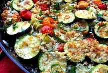 Zucchini & Squash Recipes / Taking over the world one squash plant at a time.