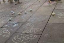 """Dibujos callejeros / Nos encantan los dibujos """"callejeros"""" con tizas... en las plazas y en nuestra pizarra!!!"""
