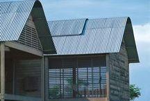 Glenn Murcutt / Architecte Austalien qui reçoit le prix Pritzker en 2002. Il élabore des constructions écologiques en harmonie avec le climat et le paysage, en utilisant des matériaux « simples » (métal, bois, verre, brique). Murcutt appelle ceci le fonctionnalisme écologique.