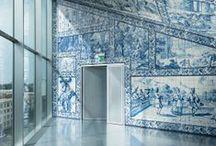 Rem Koolhaas / Architecte, théoricien de l'architecture, et urbaniste néerlandais. Il occupe aussi le poste de professeur en architecture et design urbain à la Harvard Graduate School of Design. Prix de l'Équerre d'argent en 1998, pour la Maison près de Bordeaux et prix Pritzker en 2000. Son agence l'OMA a été choisie par la communauté urbaine de Bordeaux pour la création de 50 000 nouveaux logements dans 27 communes.