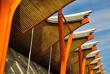 Richard Rogers / Architetce italien naturalisé britannique. Il est l'un des principaux acteurs de l'architecture high-tech et a travaillé avec Norman Foster et Renzo Piano (Centre Pompidou). Il a été récompensé par de nombreux prix dont le fameux Pritzer Price en 2007.