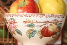 Beautiful bowls, mugs, cups etc / by Jenny Holtrop