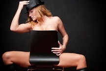 Sexy : Pose : Opposite Sitting