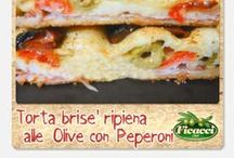 Pane e Pizza con olive - - - Pizza and Bread with olives