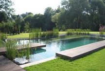 La #PISCINE idéale pour ma villa / #Construire une #piscine pour sa maison individuelle ne s'improvise pas. Quelle que soit sa matière ou sa forme, un #bassin de #nage fera rêver les parents comme les enfants. Si vous voulez une #piscine fiable, bien implantée, dans les normes, en béton, bois ou coque polyester, consultez les #pisciniers qualifiés référencés sur http://www.avantages-habitat.com/