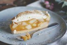Torten Cake Rezepte / Du bist auf der Suche nach einem leckeren Tortenrezept für den nächsten Geburtstag oder einfach so? Hier findest du viele verschiedene Tortenrezepte. Schokoladentorte, Hochzeitstorte, Buttercremetorte. Such dir einfach die passende Torte raus.