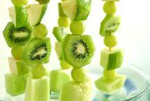 Fun food / Touch the food, sens it and play with it - pota í matinn og leika