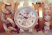 Purses .&. Jewellery