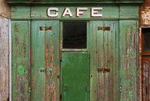 shops & cafés