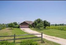 7182 Harris Lane, Bryan, Texas 77808 / Three Bedrooms | Two Bathrooms | 1,668 sf | 5.64-Acre Lot | Split Plan | Wood Floors | Pergola | Barn/Stable | Pasture Land | Porch & Patio | For more information, please contact one of our Showing and Community Specialists at 979-450-0455 or visit http://bit.ly/ZA7182a | You may view our entire portfolio at http://zarealestate.com