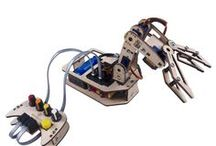 SunFounder Rollarm Robotic Arm Kit for Arduino / Find this cool robotic arm on our website https://www.sunfounder.com/robotic-drone/rollarm/robotic-arm-kit/diy-robotic-arm-kit-4-axis-servo-control-rollarm-with-wired-controller-for-arduino-uno-r3.html