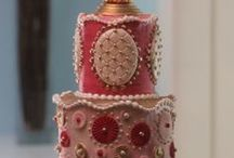 Wedding cakes with Pink colour / Wedding cakes with pink colour in it