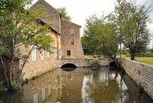 Bourgogne : Biens à vendre entre particuliers / Biens à vendre entre particuliers Tout le charme de la Bourgogne, une architecture typique, des matériaux locaux, les maisons et les appartements, traditionnels ou contemporains, ou autres biens directement vendus par des particuliers.
