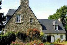 Bretagne : Biens à vendre entre particuliers / Tout le charme de la Bretagne, une architecture typique, des matériaux locaux, les maisons et les appartements, traditionnels ou contemporains, ou autres biens directement vendus par des particuliers.