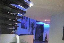 Escaliers et vestibules / Stairs / Parfois en colimaçon, parfois en bois, parfois design, parfois grand siècle.