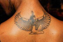 Tattoo Essentials. / Tattoo World.
