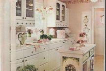 Дом-кухня / Все для кухни, в том числе: фартуки, вязанные чайники, постеры, хранение и прочее. Смотри также разделы - декор-объект рисованная еда и декор-объект домики.