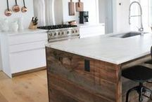 Kitchen Islands & Cart Inspiration / Our favorite kitchen decorating ideas with carts and islands!
