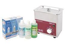 Emmi-05ST - Ultraschall Reinigungsgerät / JETZT NEU IM EMMI-CLUB: Ultraschallreinigungsgerät aus Edelstahl!  Die Emmi-05ST ist ein Universalgerät mit Edelstahl-Schwingwanne und Edelstahlgehäuse. Zeitschaltuhr 1 - 60 Minuten, Dauerbetrieb  Ideal für die Reinigung von Brillen, Brillenteilen, Hörgeräten, Prothesen, Zahnspangen, Edelmetallen, Gold- und Silberschmuck und vielem mehr.