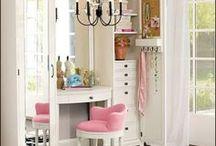 vanity & desks on my mind / vanities