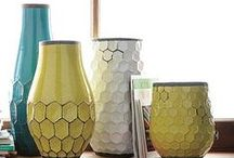 Honeycomb Interiors / Geometrics in design are having their moment.  Clustered together in a honeycomb, hexagons create a busy but somehow soothing shape, the negatives of the outline create some place for your eye to rest and as it's a pattern we see in nature, there is an organic simplicity to it. Luxaflex® Duette® is the ultimate hexagonal fabric for windows.