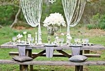 Chic Picnic Weddings / If you love summer and you love nature a picnic wedding is for you! I'm not talking about your average family weekend picnic, oh no! Here are some truly unique and chic ideas to pull of a Picnic Wedding that will have guests talking for years to come!