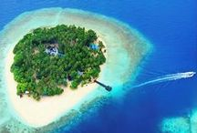 The Maldives / White Sands & Turquoise Waters - The Heavenly Maldives Islands | http://theromantictourist.com/destinations/maldives
