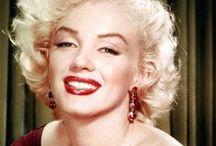 """Marilyn Monroe ♥ / El Icono que inspiró a Marilyn fue Jean Harlow.Esta la copiaba en todo.Marilyn se suicidó con 36 años.Marilyn decía:""""No quiero hacer dinero.Yo sólo quiero ser maravillosa""""./The Icon was inspired Marilyn Jean Harlow.Marilyn copy on everything.Marilyn committed suicide 36 years.Marilyn said:""""I do not want to make money. I just want to be wonderful"""". / by Heidi Lopez"""