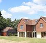 A Hilltop in Kent / Vicky and Simon Parker's oak frame home in the Weald of Kent is a carefully crafted update of a local architectural style