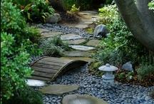 Garden Walks/Arbors/Gates, etc. / Elements to beautify the garden.