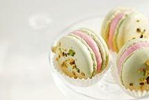 We all love macarons!!
