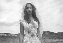 B E Y O N C É / Beyoncé Knowles