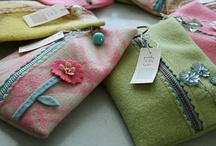 pouch & purse / by Cecilia