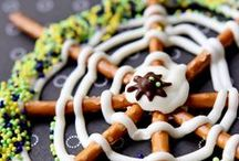 Happy Halloween / Super-cheap, super-fun ideas to have a spooktacular Halloween.