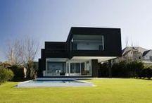 Calidad + Diseño = Arte / Vivienda modular de diseño y alta calidad de dos plantas con amplias cristaleras.