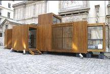 The Drop House / Drop House es una casa prefabricada, ganadora del Desafío de Arquitectura Modular en el año 2005, a través de un sistema fácilmente personalizable. El prototipo de 48 m2 se instaló en la École des Beaux Arts de París.