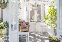 Kesäkeittiö ja kasvihuone/ Summerkitchen and greenhouse