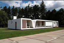 Curvas en el Diseño / Esta vivienda es una ilustración clara de que las viviendas modulares también pueden jugar con las formas curvas.