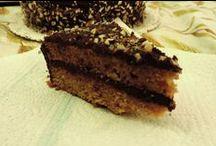 ♥ Torta di compleanno vegan al cioccolato con mandorle e cannella per M. / M. ha compiuto gli anni parecchi mesi fa ma la rapidità non è certo un mio pregio. Fortunatamente ho ritrovato gli appunti della ricetta utilizzata. Ecco la ricetta: http://mani-libere.blogspot.it/2015/06/torta-di-compleanno-vegan-al-cioccolato.html