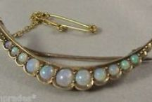 Australian antique jewellery / Jewellery made in Australia by early silver and goldsmiths.