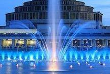 Polska na niebiesko/ Blue shades of Poland / Kolor niebieski to oaza spokoju. Polska mieni się na niebiesko. To nasz ulubiony kolor.  Każdy może edytować tę tablicę - napisz do nas - dodamy Cię jako Pinnera!