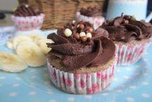 """Cupcakes und Küchlein / Quasi, was man auf meinem Blog als Kategorie """"Handliche Happen"""" kennt, gibt es hier nochmal liebevoll aufbereitet. Alle Rezepte findet ihr natürlich auf www.MainBacken.com"""