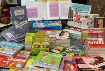 ● Mijn kinderboeken ● / Pedagogisch verantwoorde non-fictieboeken die helpen bij de sociaal-emotionele ontwikkeling van kinderen: thuis, op school en in de coachingpraktijk. Op zoek naar een origineel cadeau? Bestel een boek via mijn website www.marjabaseler.nl en ik signeer het boek of zet er een persoonlijke opdracht in naar wens. Kijk ook bij mijn boeken voor de jeugd!