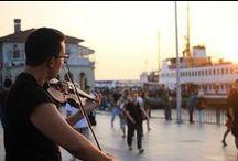 İstanbul'dan Sevgilerle / İstanbul'un en güzel halleri! Sokakları, Boğaziçi, camileri, tarihi, aşkı... Her şeyiyle İstanbul'u burada bulacaksın. Galata'dan Kız Kulesi'ne selamlarla! Türkiye'nin en güzel şehrine keşfe çıkıyoruz.