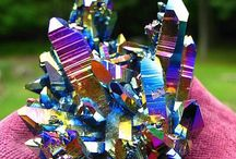 Gemstones, minerals and metals / Natural beauty from the earth