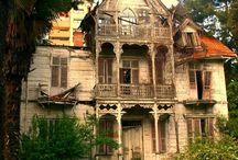 RUINS / Beautiful in decay