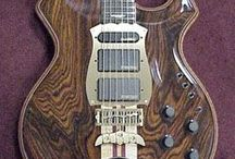 music guitar alembic / founded in 1969 by Owsley Stanley, Ron Wickersham, Rik Turner, Rob Matthews. in 1978 Rik Turner left to start his own company.