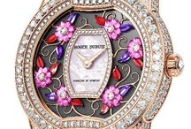 Lady's Watches / Keeping time